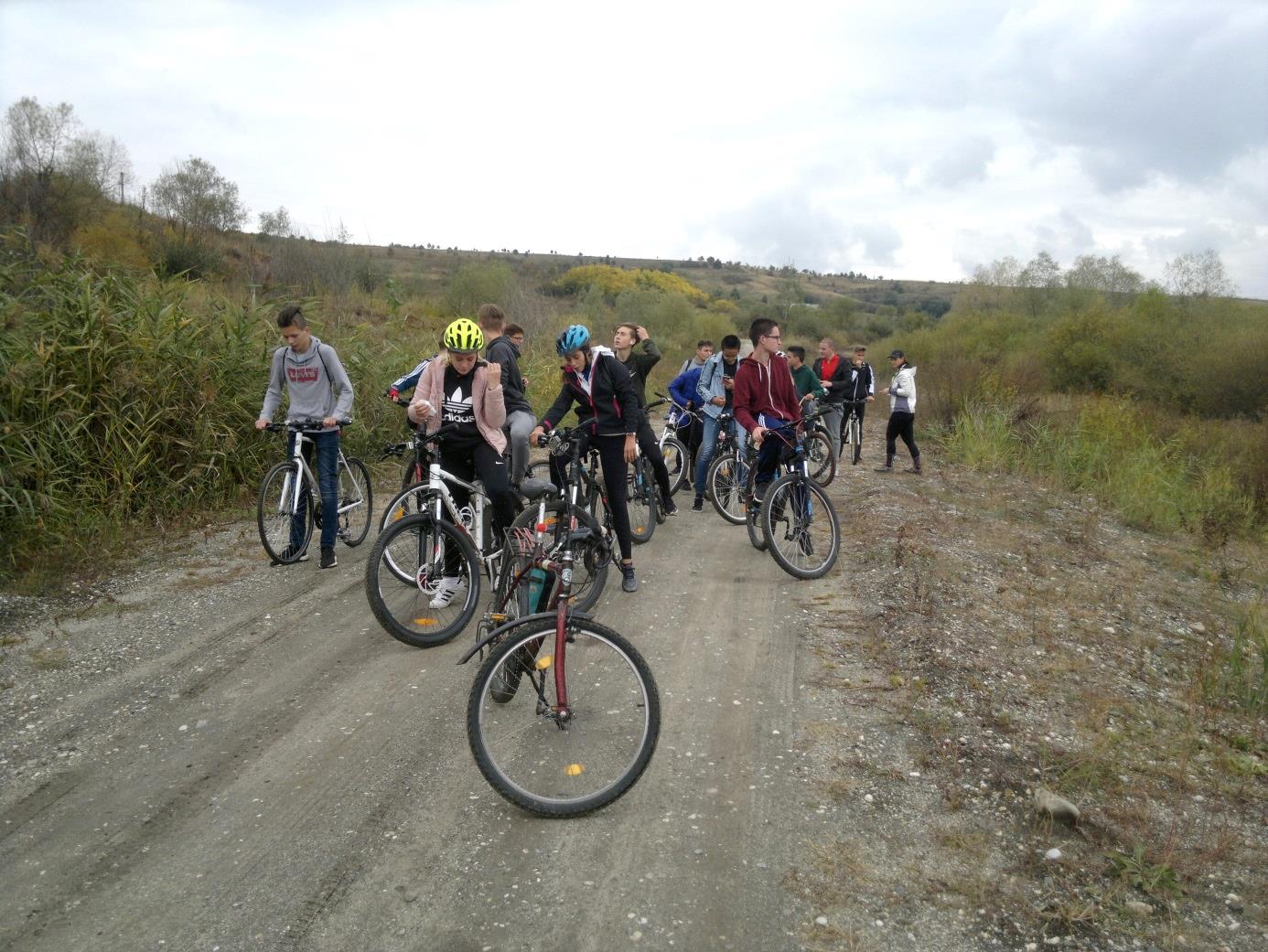 27. Kerékpározás Alsórákosra, a külszíni lignitbányához, illetve ma már bányatóhoz