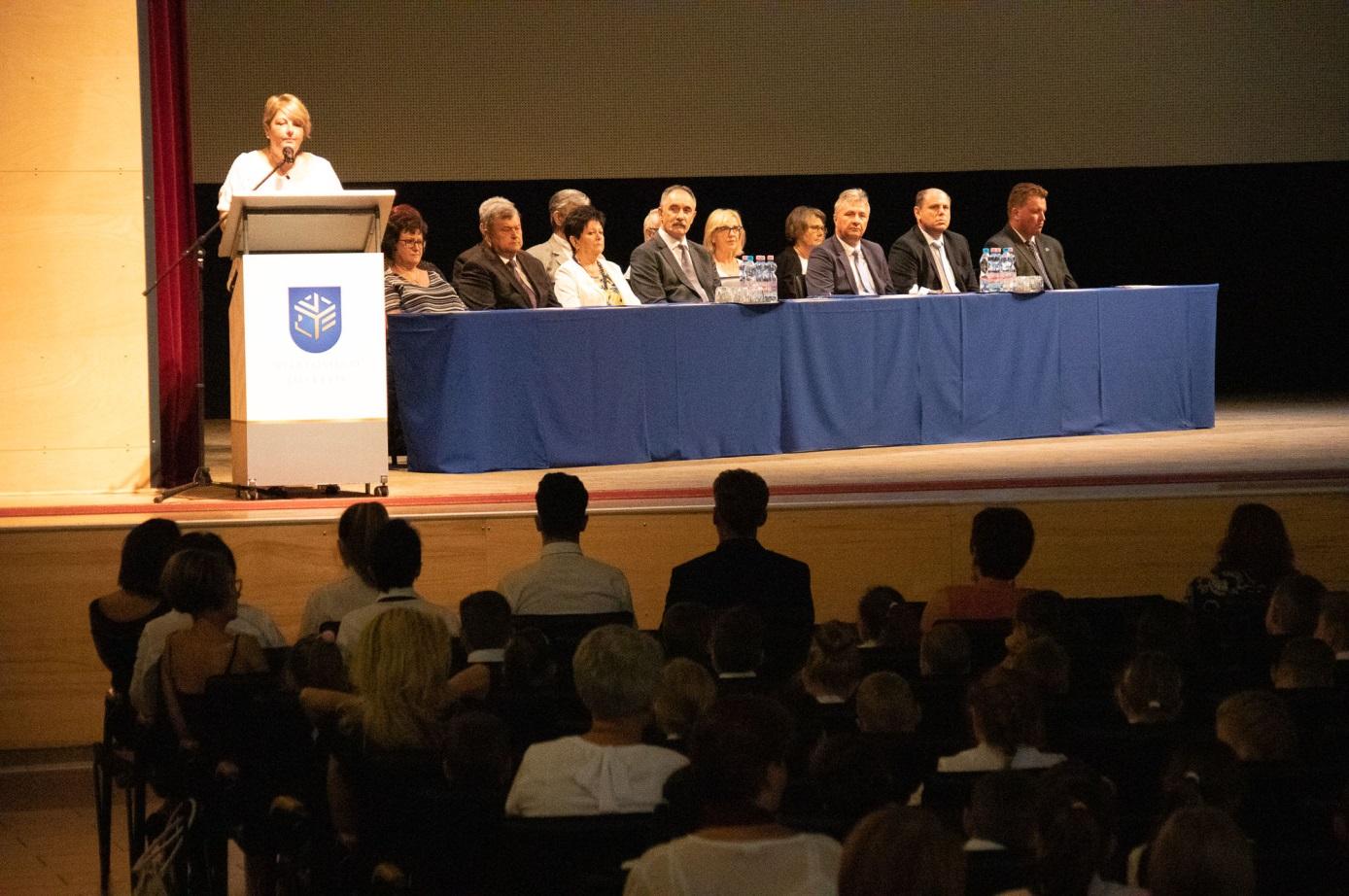 Vassné dr. habil Figula Erika a fenntartó Nyíregyházi Egyetem rektora ünnepi köszöntőjét mondja