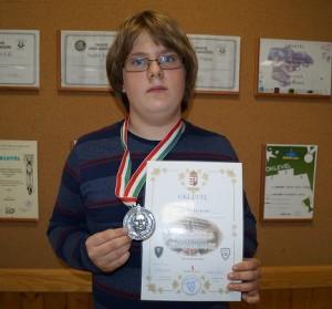 Kovács Levente 7. c osztályos tanuló 2. helyezést ért el a Jedlik Ányos Országos Fizikaversenyen