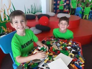 """""""A legjobból is a legjobbat""""- Gyárlátogatás a LEGO-ban"""