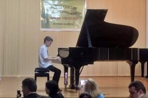 Eötvösös zongorista kisdiák sikere Bukarestben