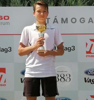 Vidékbajnok, majd a Marso-Bige Kupa F14-es bajnoka lett Juhász Bence